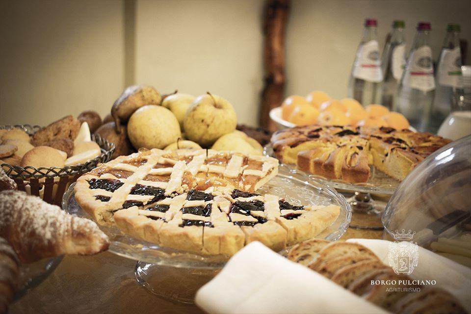 La colazione di BORGO PULCIANO AGRITURISMO