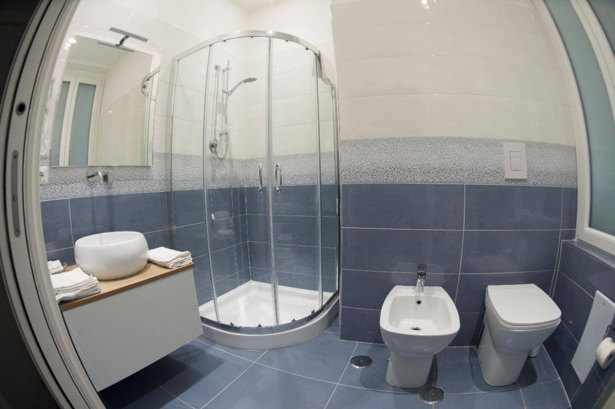 Camera Queen con vasca 4