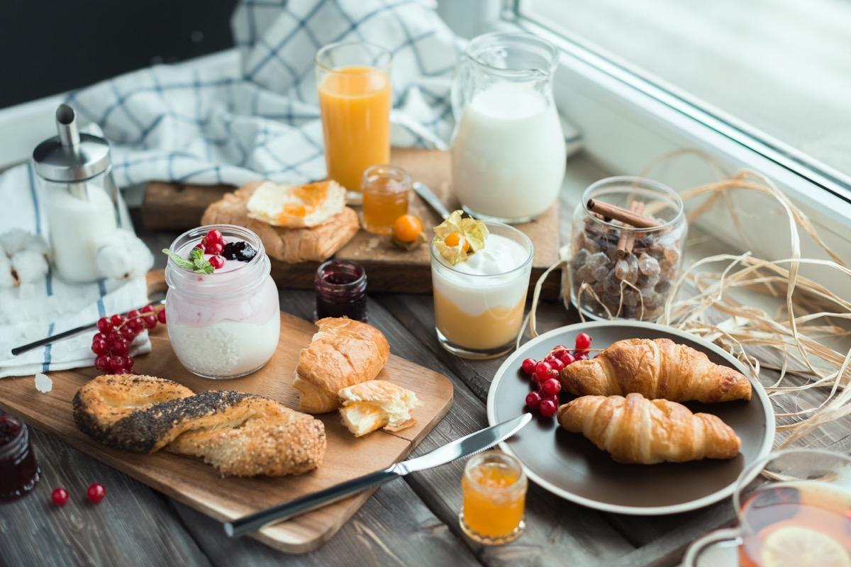 La colazione di VILLA FIBBINO - HOTEL DI CAMPAGNA