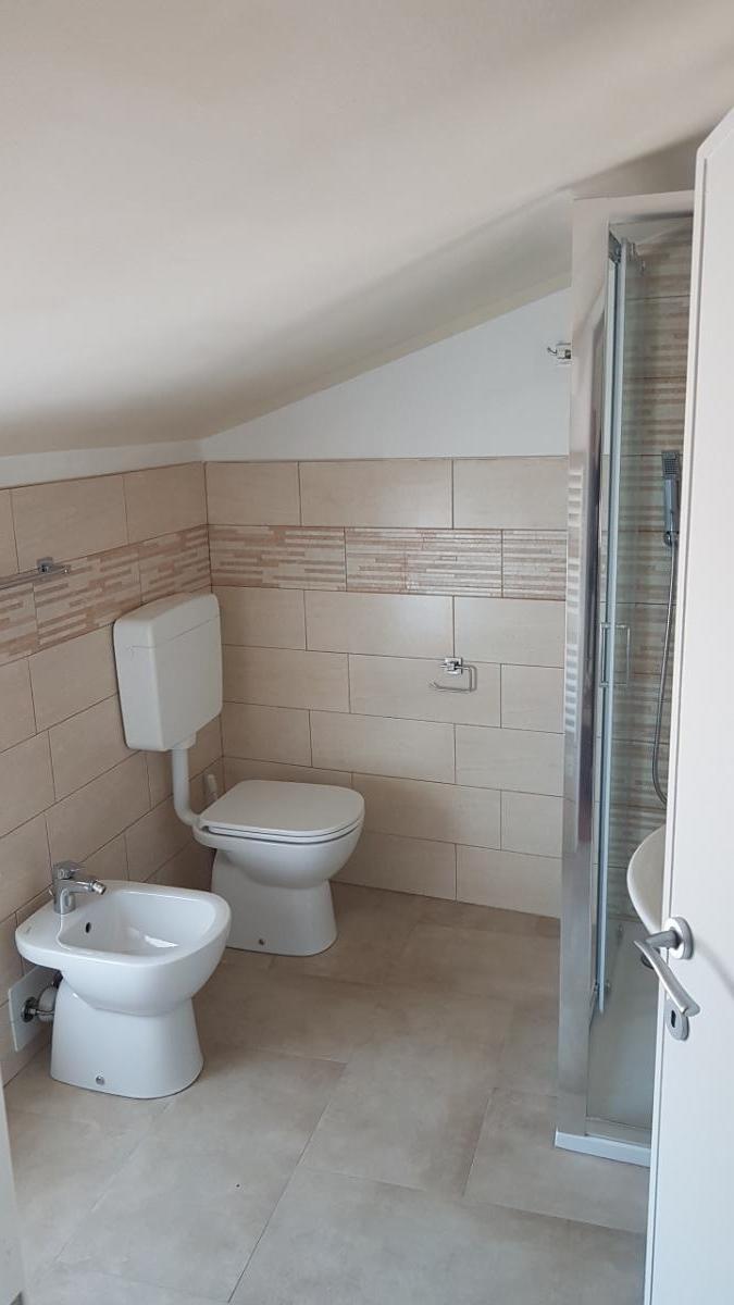 Camera quadrupla vista piscina 4