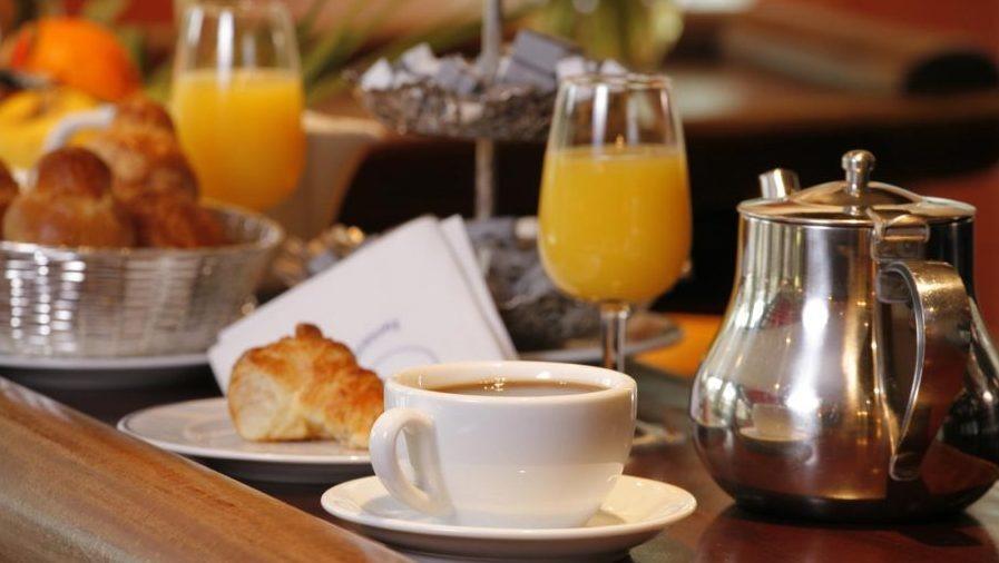 La colazione di PALAZZO BIANCHI DOMUS HOLIDAYS