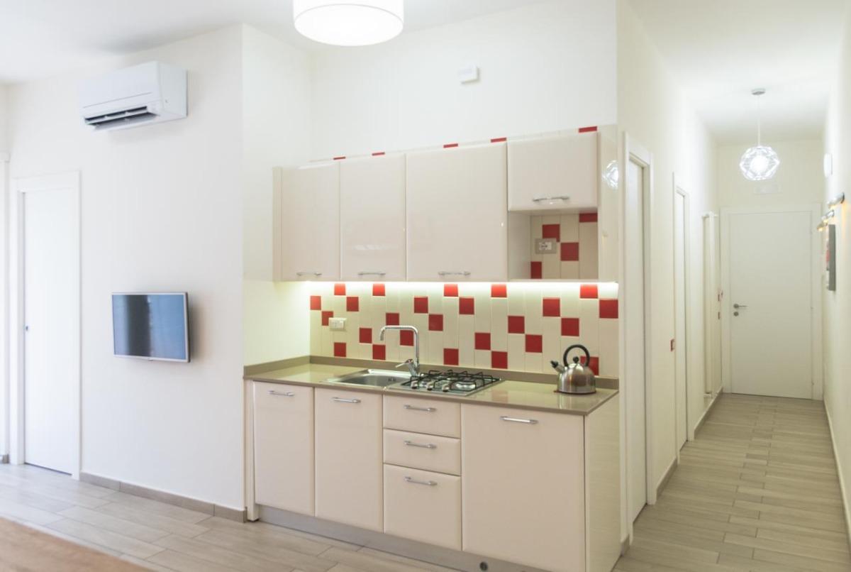 500 Apartment 4