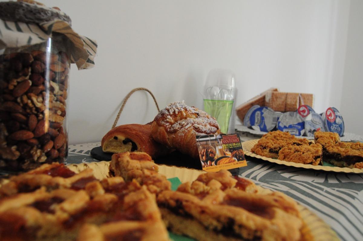 La colazione di B&B HOLIDAY PINETO