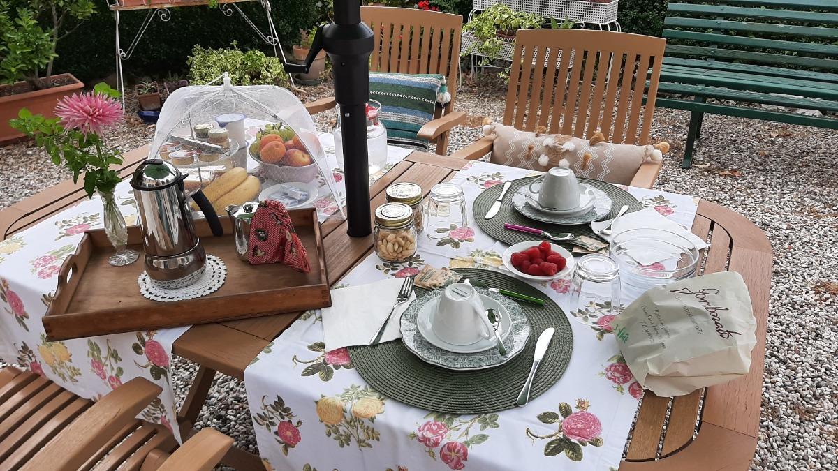 La colazione di B&B VILLA VALERI