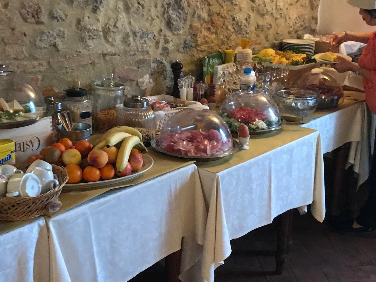 La colazione di B&B CASA DI CAMPAGNA IN TOSCANA