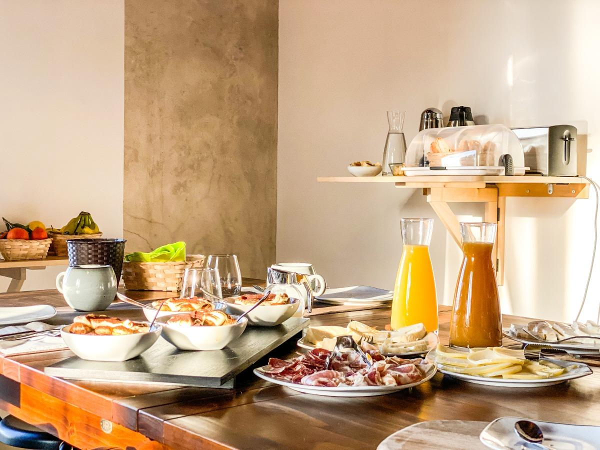 La colazione di TENUTA NOVECENTO BIOAGRITURISMO IN COSTIERA AMALFITANA