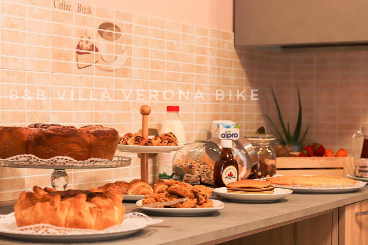 La colazione di B&B VILLA VERONA BIKE
