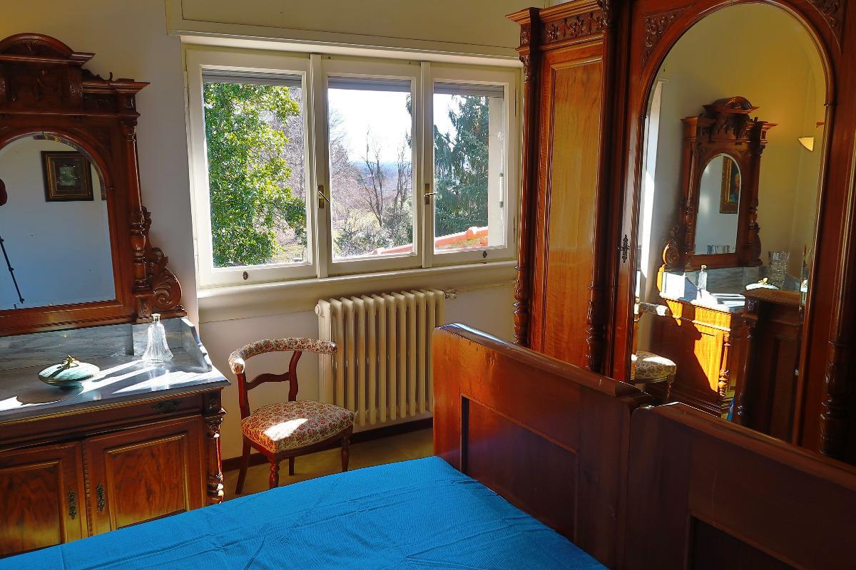 Camera matrimoniale con bagno 3