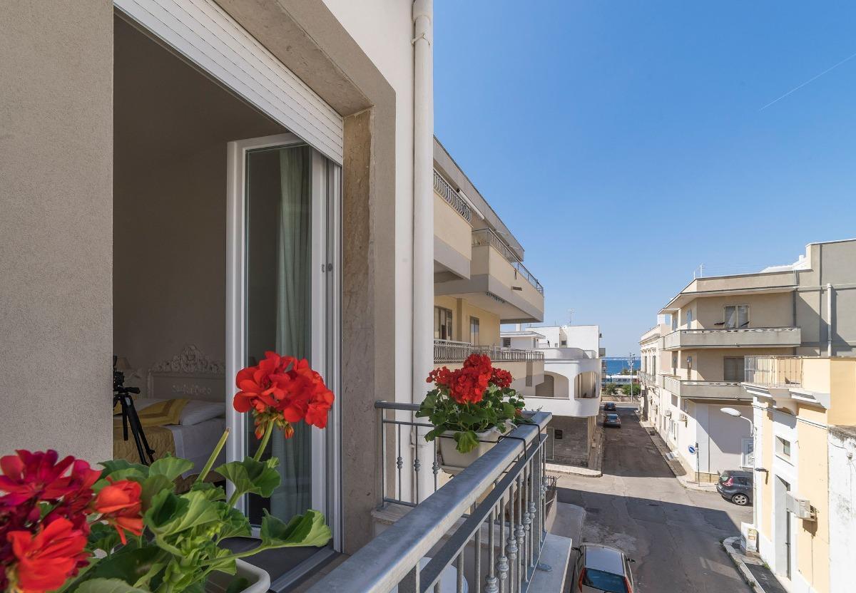 camera doppia con balcone 3