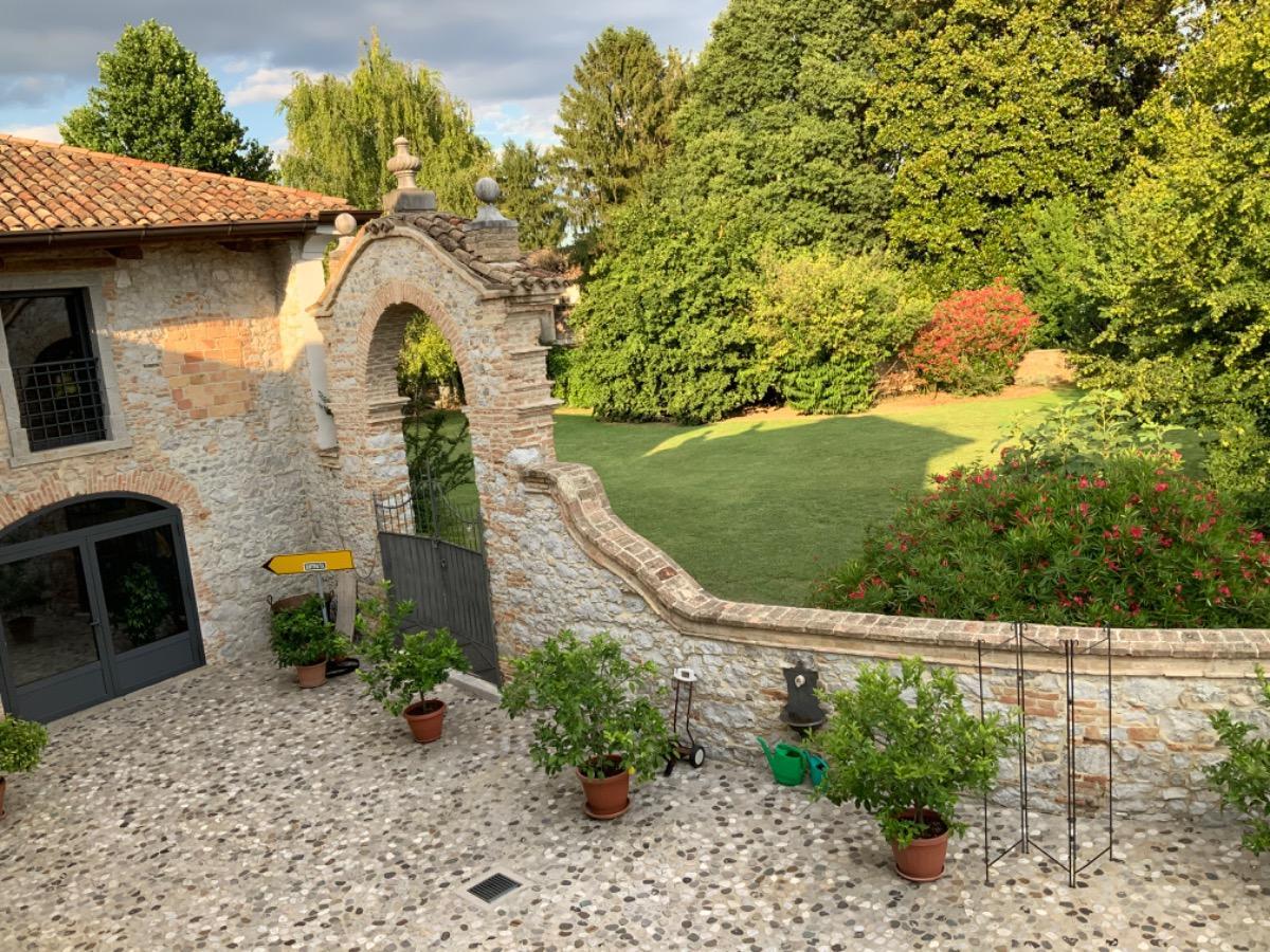 Suite con vista giardino 3