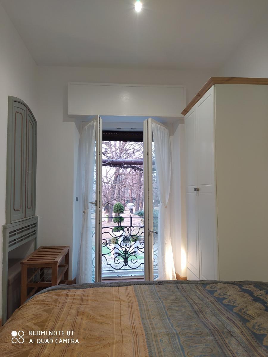 camera due 2