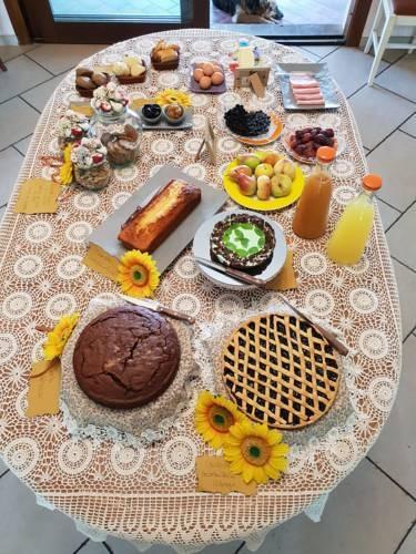La colazione di CA DEI GELSI B&B
