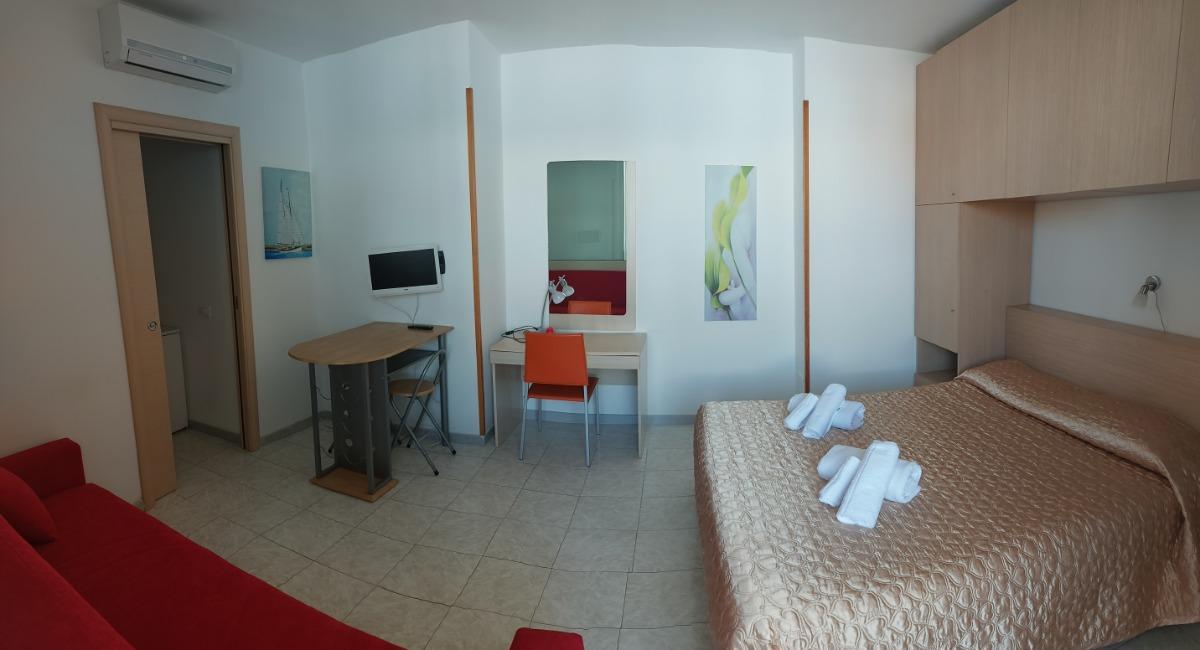 camera doppia con balcone 5