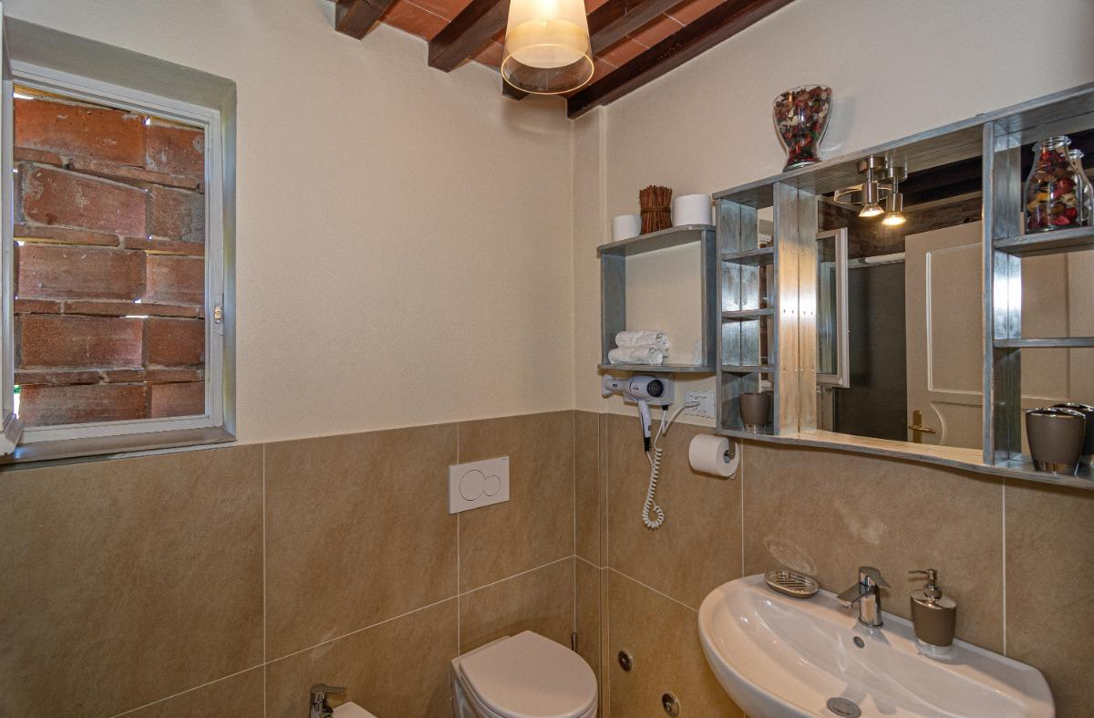 Deluxe Apartment 4