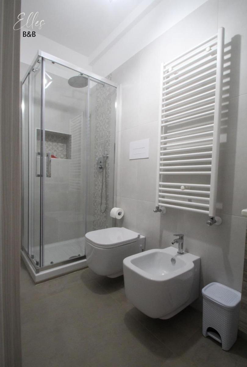 Camera doppia  Chanel 4