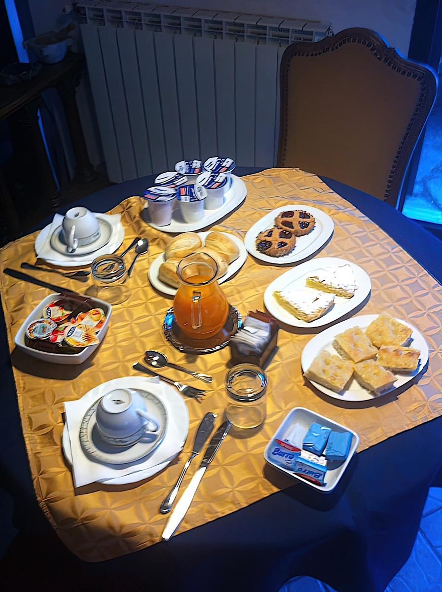 La colazione di B&B VILLA FEDRA