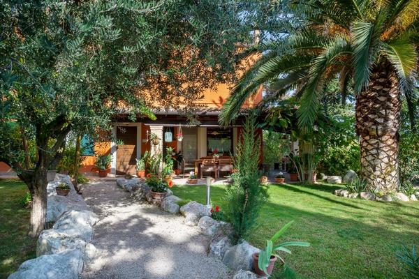 La Gradina Bed and Breakfast