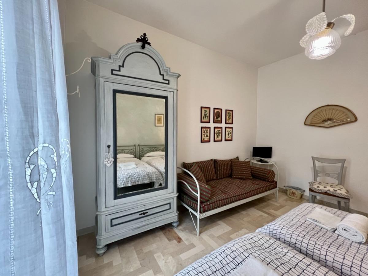 Camera doppia/tripla con bagno 2