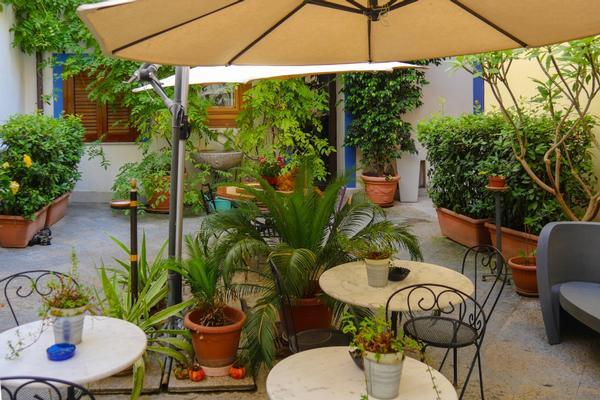 Al Giardino dell'Alloro ***