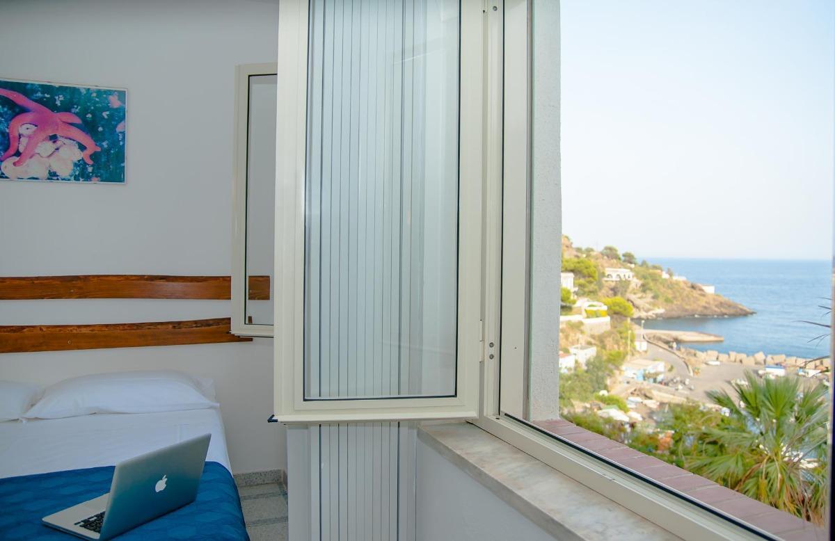 Appartamenti con Vista Mare 3