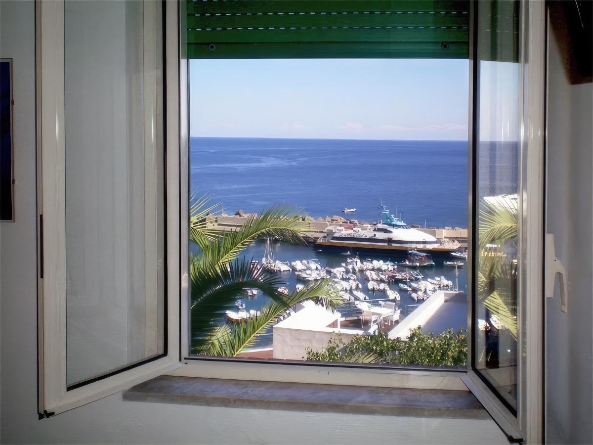 Appartamenti con Vista Mare 5