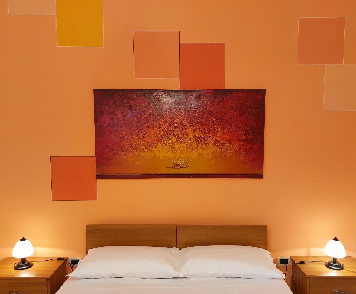 camera doppia arancio 4