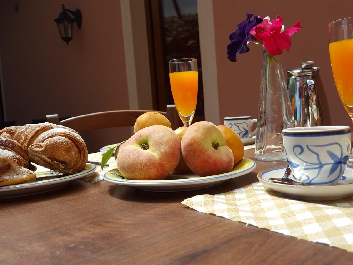 La colazione di POGGIOFELICE B&B