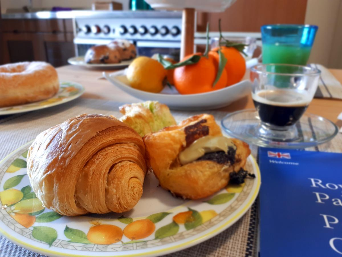 La colazione di THE NORMAN PALACE GUEST HOUSE