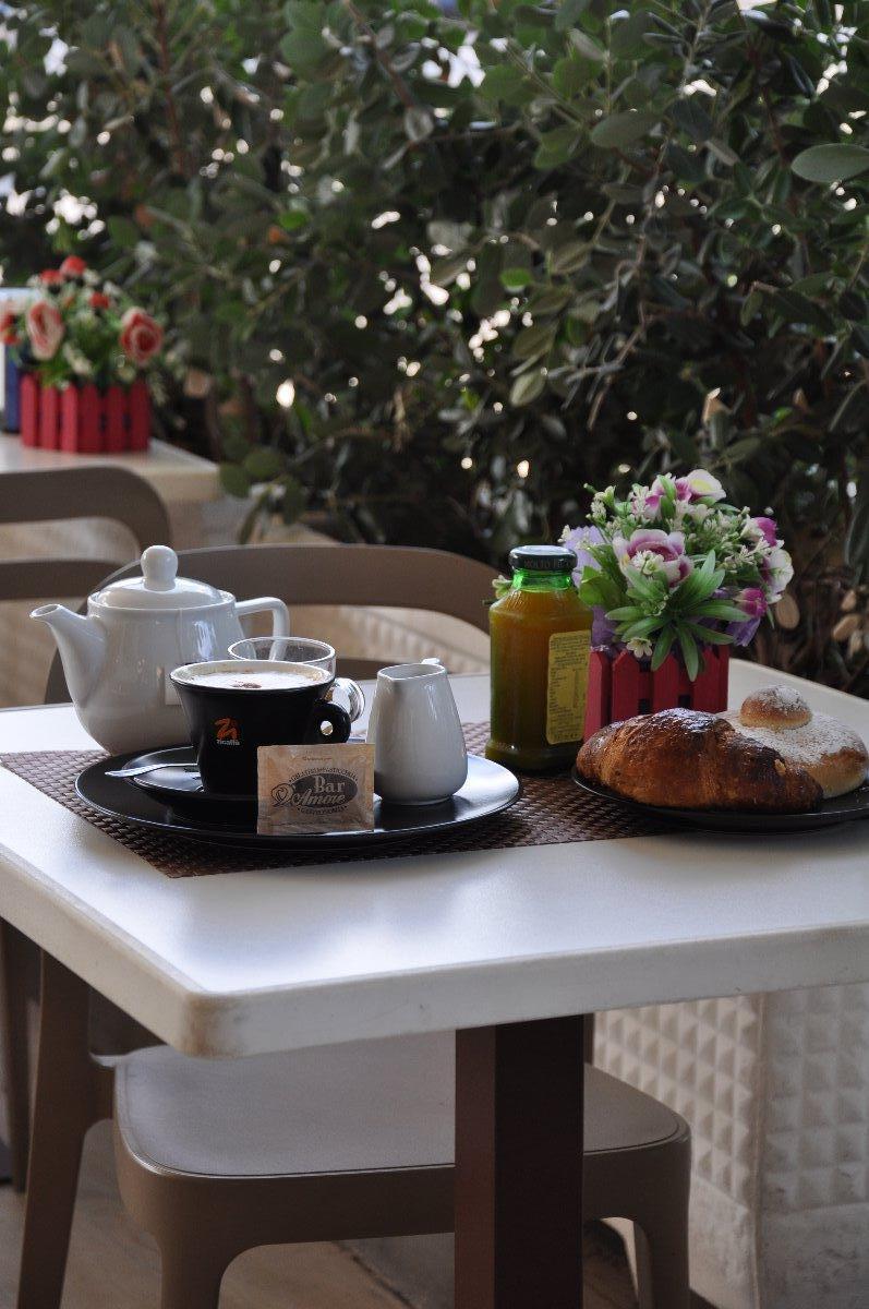 La colazione di CASA ROSETTA - CONCA D'ORO APARTMENTS