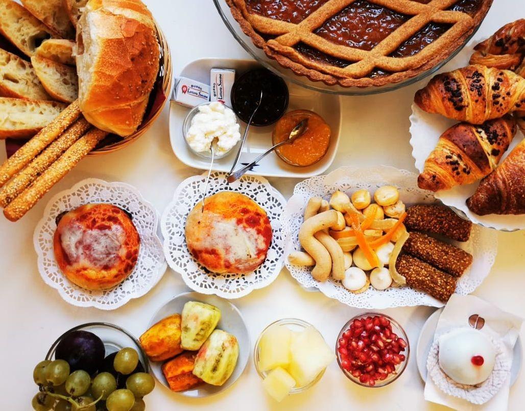 La colazione di PUPI CATANIA ETNA B&B - PANORAMA DI SICILIA