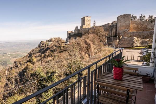 Rocca di Cerere - Case Vacanza
