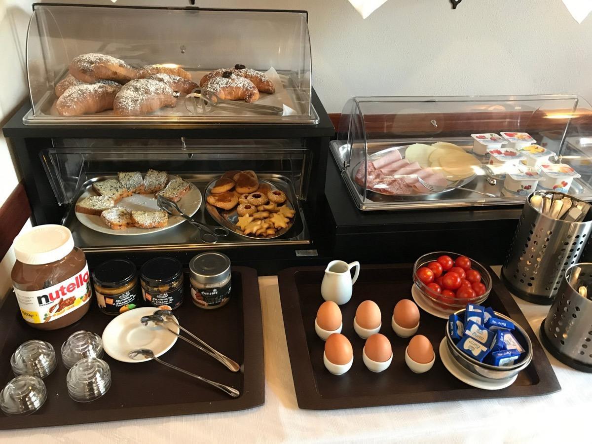 La colazione di B&B VILLA EBEN EZER