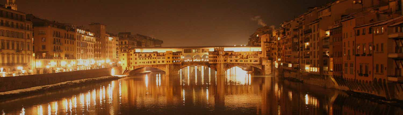 Ponte Vecchio - Panorama del Ponte Vecchio di sera